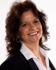 Head shot of LINDA LANGELIER, CPHR, CPC President/Executive Search Consultant